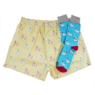 Comprar pack de calcetines y calzoncillos mujer y hombre divertidos hechos en España